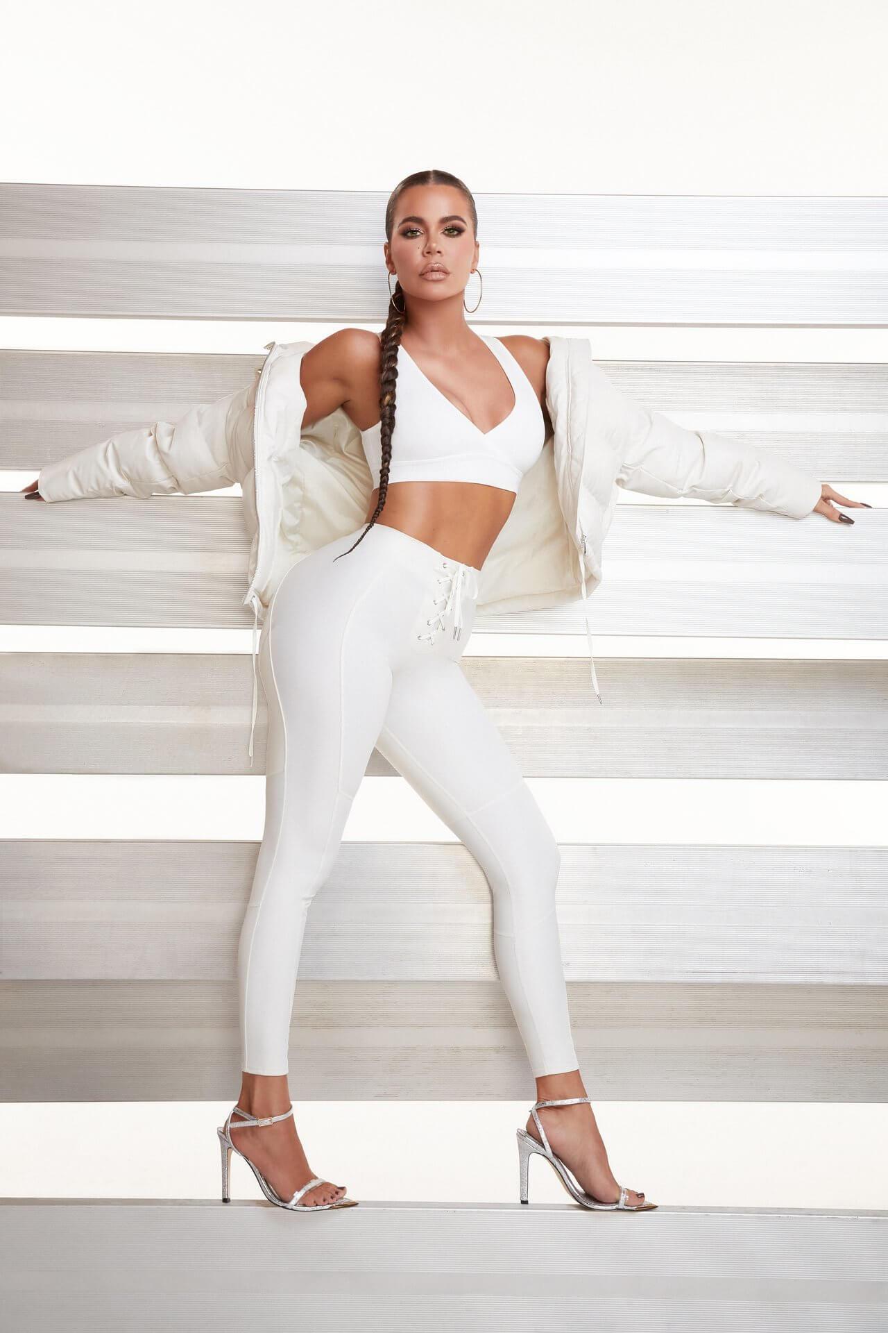 Khloe Kardashian piedi lunghi