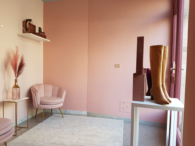 showroom lurah