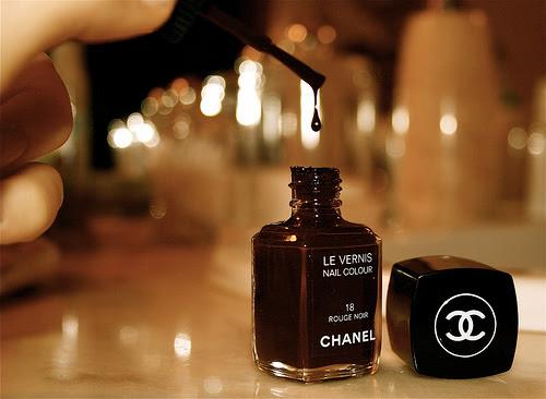 Chanel Smalto Rouge Noir